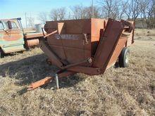 Schwartz Feeder Wagon
