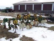 John Deere 825 Row Crop Cultiva