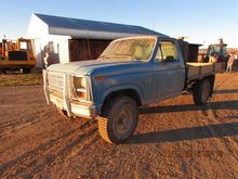 1986 Ford F-250 4x4 Flatbed Pic