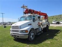 2005 Sterling Acter M7500 Digge