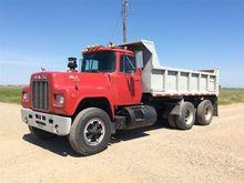 1986 Mack R688ST T/A Dump Truck