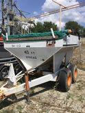 Willmar 500 Fertilizer Spreader