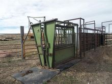 Powder River Cattle Squeeze Chu