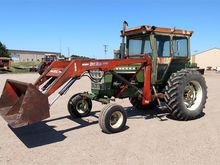 1974 Oliver 1755 2WD Tractor w/