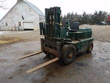 White MY80B Forklift