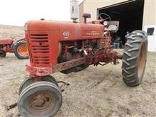 1956 Farmall 400 2WD Tractor