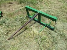 Frontier Bale Spear