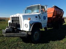 1976 Ford LT9000 T/A Feed Truck