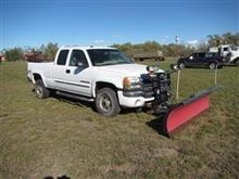 2003 GMC 2500HD Pickup with Sno