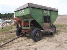 Dakon 250 Gravity Flow Wagon