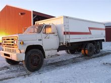 1975 GMC C6500 T/A Grain Truck