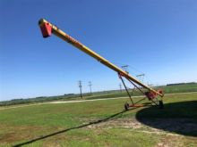 Used Drive Over Hoppers for sale  Westfield equipment & more | Machinio
