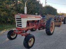1961 Farmall 460 Tractor