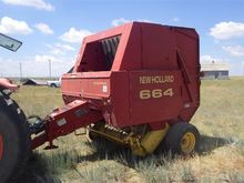 1998 New Holland 664 Round Bale