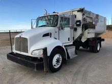 2015 Kenworth Feed Truck