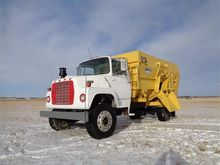 1989 Ford LN8000F Feed/Mixer Tr
