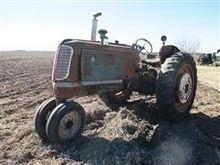Oliver 70 Row Crop Tractor