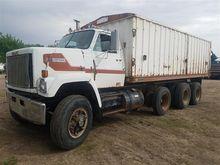 1982 GMC J9500 J9C064 Grain Tru