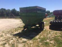 John Deere 68 Auger Feed Wagon