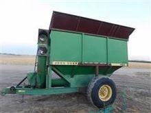John Deere 400 Auger Wagon