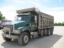 2004 Mack Granite CV713 Quad/A