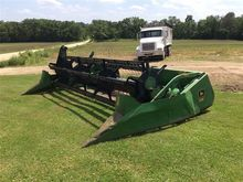 John Deere 216 Flex Header