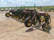 John Deere 885 Row Cultivator