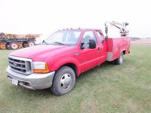 1999 Ford F350 Truck with Servi