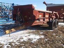 Dual 800 Pull Type T/A Manure S