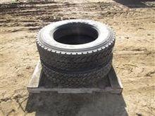 Goodyear/Dunlop 285/75R24.5 Tir