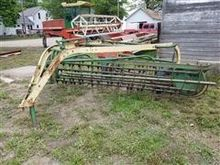 John Deere 896A Side Delivery R