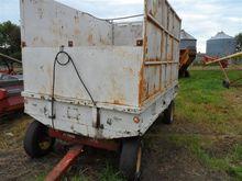 EZ Trail Forage Wagon