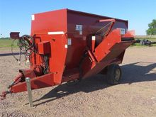 Mono-Mixer 1315 Feeder Wagon