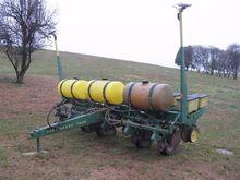 John Deere 7000 6 Row Planter