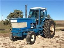 1983 Ford TW-35 Tractor