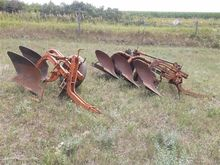 "Allis Chalmers Plows w/16"" Mold"