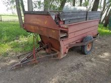 Kelley Ryan Feeder Wagon