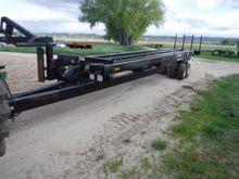 2000 MacDon 1300 Bale Carrier
