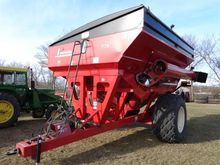 2011 Parker 739 Grain Cart with