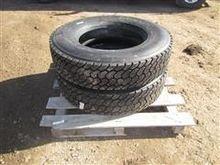 Dunlop/Kelly 295/75R22.5 Tires
