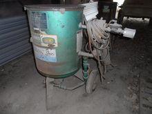 Clemco 2452 Sand Blast Pot