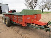 1981 New Idea 245 10 Ton Manure