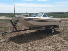 1977 Imperial T165 Motor Boat &