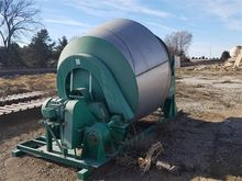 Shamrock Dry Fertilizer Mixer