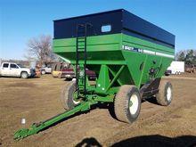 Brent 640 Gravity Grain Wagon