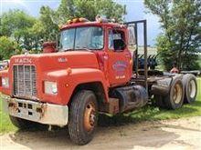 1982 Mack R686ST T/A Truck Trac