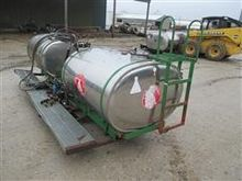 Farm-Chem Saddle Tanks