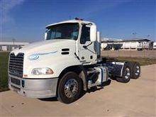 2012 Mack Pinnacle Truck Tracto