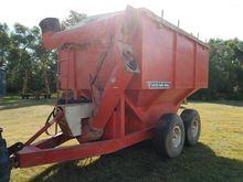 United Farm Tools Grain Cart