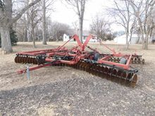 Case IH 496 Disk Harrow